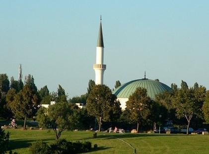 الإسلام ديانة رسمية في النمسا منذ عام1912م