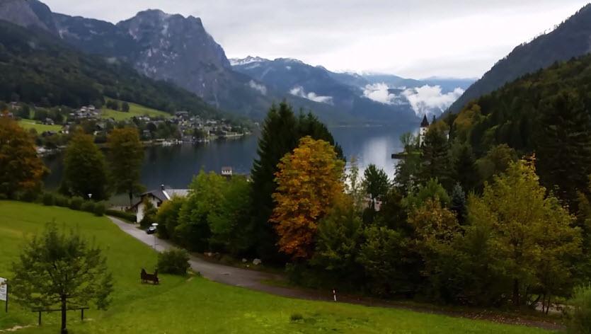 البحيرة النمساوية الساحرةغروندلسي