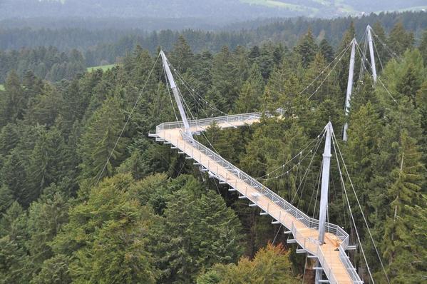 """جسر سكاي ووك """"آلغوي"""" فيألمانيا"""