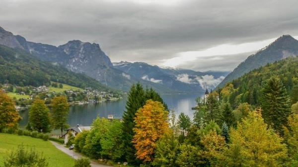 بحيرة غروندلسي النمساوية