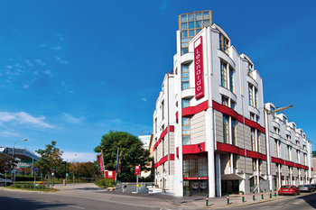 إفتتاح فندق ليوناردوفيينا