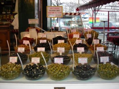 olives-at-naschmarkt