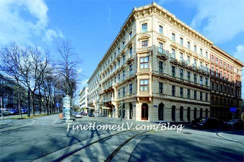 افتتاح فندق الريتز كارلتون فيفيينا