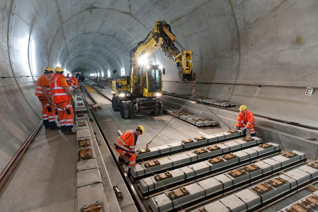 أطول نفق للسكك الحديدية في العالم سيكون في سويسرا عام2016