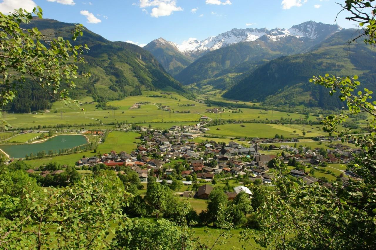 قرية وبحيرة اوتندورفالرائعة