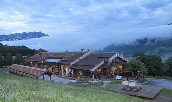 منتجع الرومانسية هنأك فوق قِـمم الجبالالنمساوية