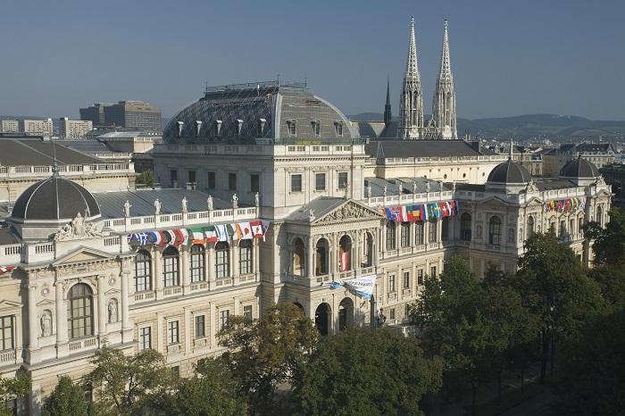 Universität Wien;Hauptgebäude;Frontansicht