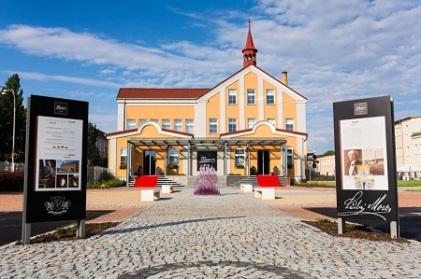 sklarske-muzeum-a-hut-moser-stala-expozice_0583ee_profile