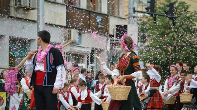 5.-Rose-Festival_Bulgaria_Europe_Davidsbeenhere-Photo-Credit-www.kazanlak.bg_