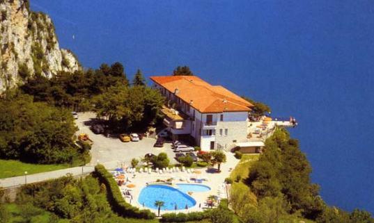 hotel-paradiso-tremosine001