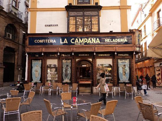 """مخبز الحلويات لا كامبانا """" La Campana"""""""